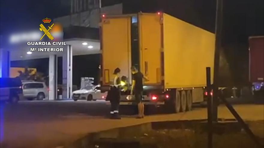 Interceptan un camión que salió de Málaga con 300 kilos de hachís y marihuana entre 16 toneladas de coliflores