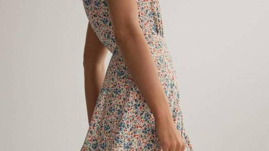 """Encontramos el """"vestido adelgazante"""" low cost que te comprarás en primavera"""