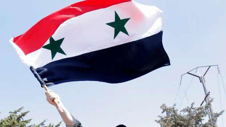 """Damasco y los kurdos negociarán una hoja de ruta para una Siria """"descentralizada"""""""