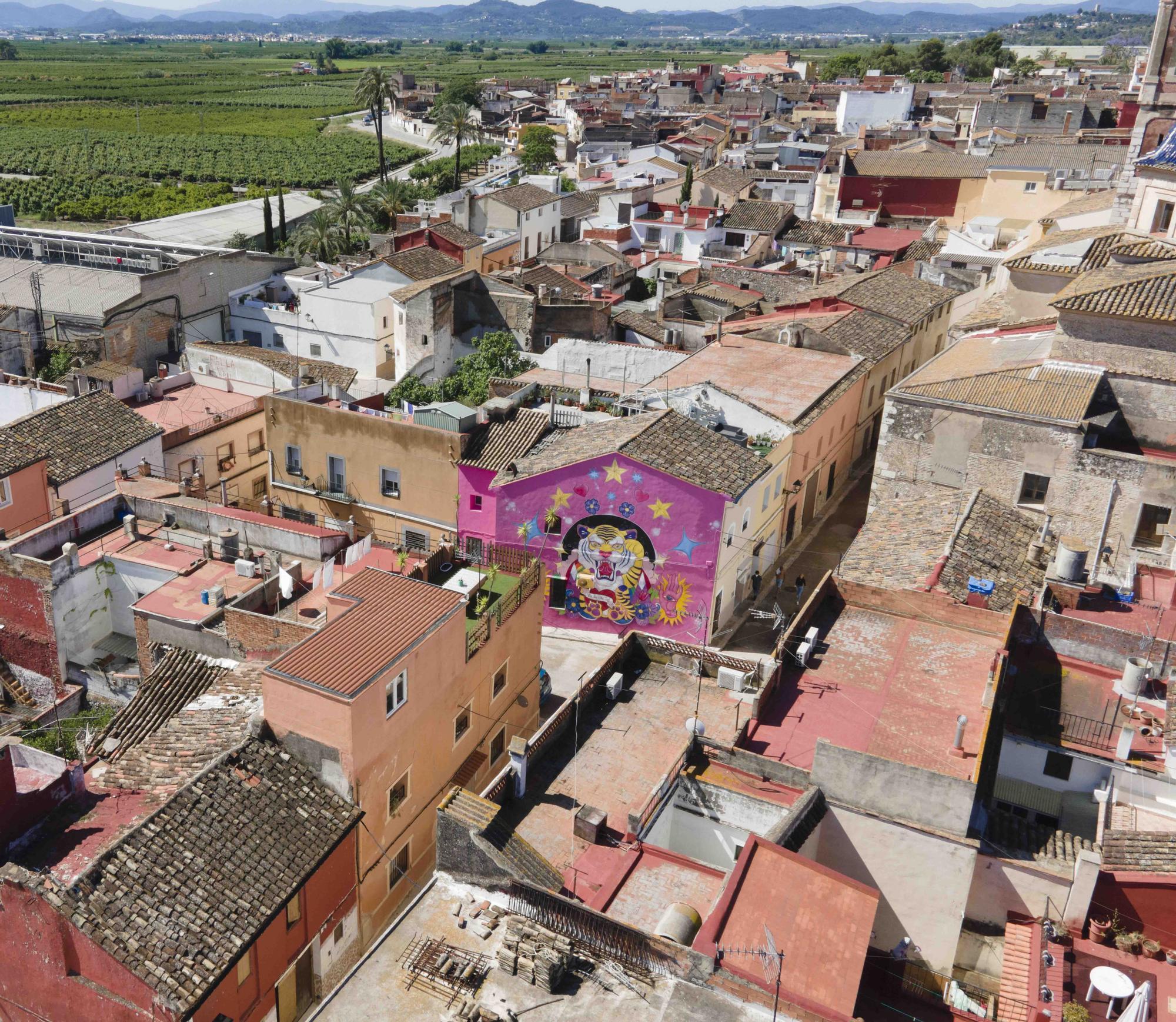 Arte XXL en Alberic: los grandes murales invaden fachadas del municipio