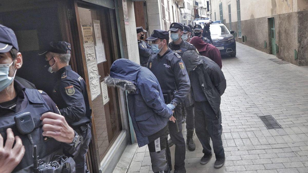 Los detenidos por las vejaciones en Manacor.