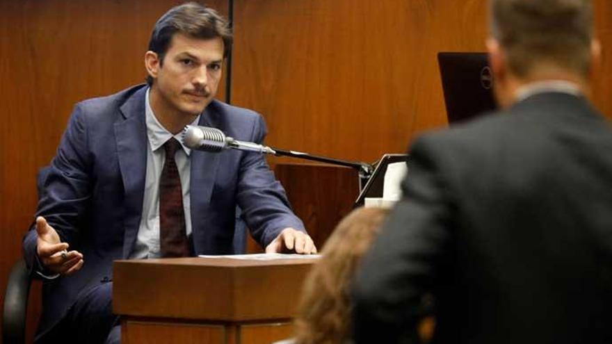 Ashton Kutcher declara en el juicio por el asesinato de su novia