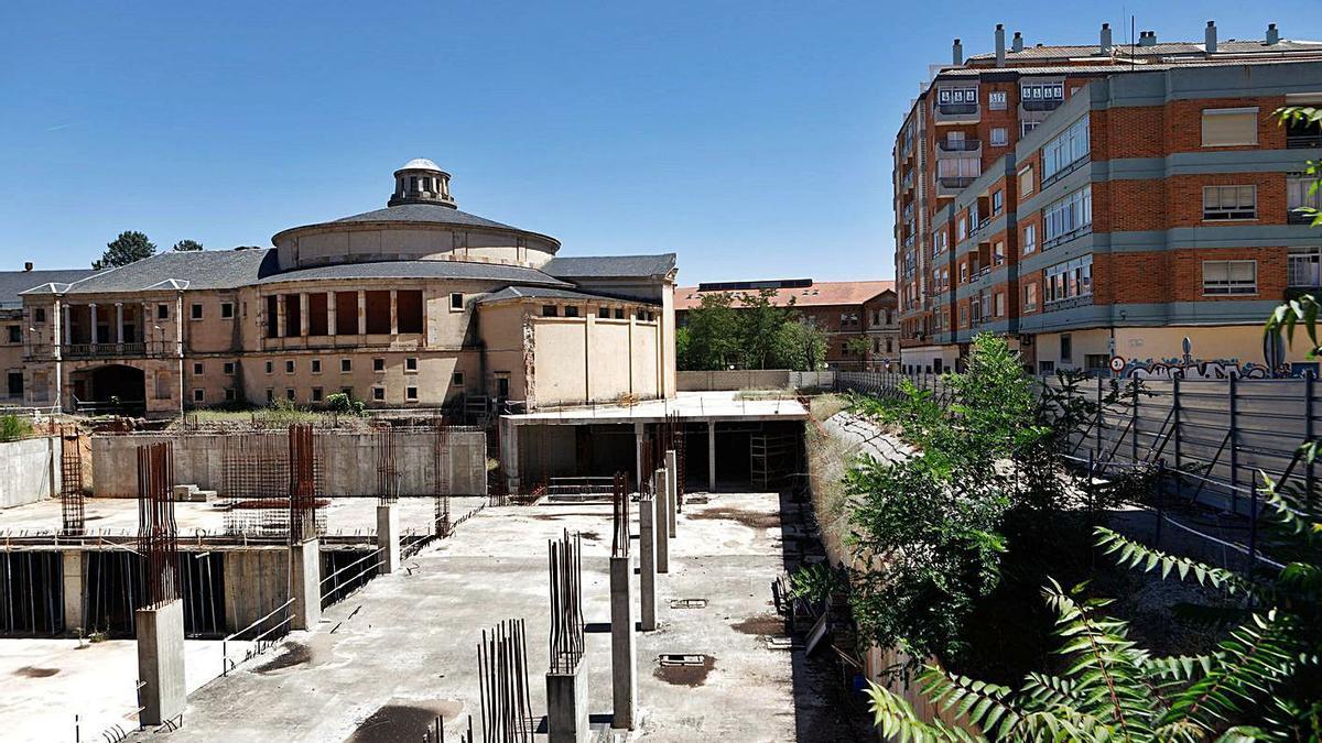 """El """"agujero"""" del Palacio de Congresos, en el año 2017.   Emilio Fraile"""
