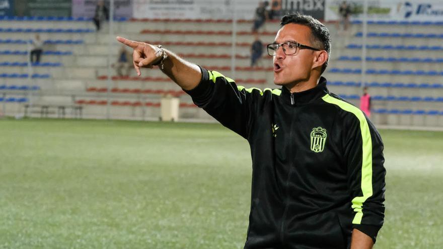 """Dani Ponz: """"Espero que el Eldense juegue el playoff"""""""