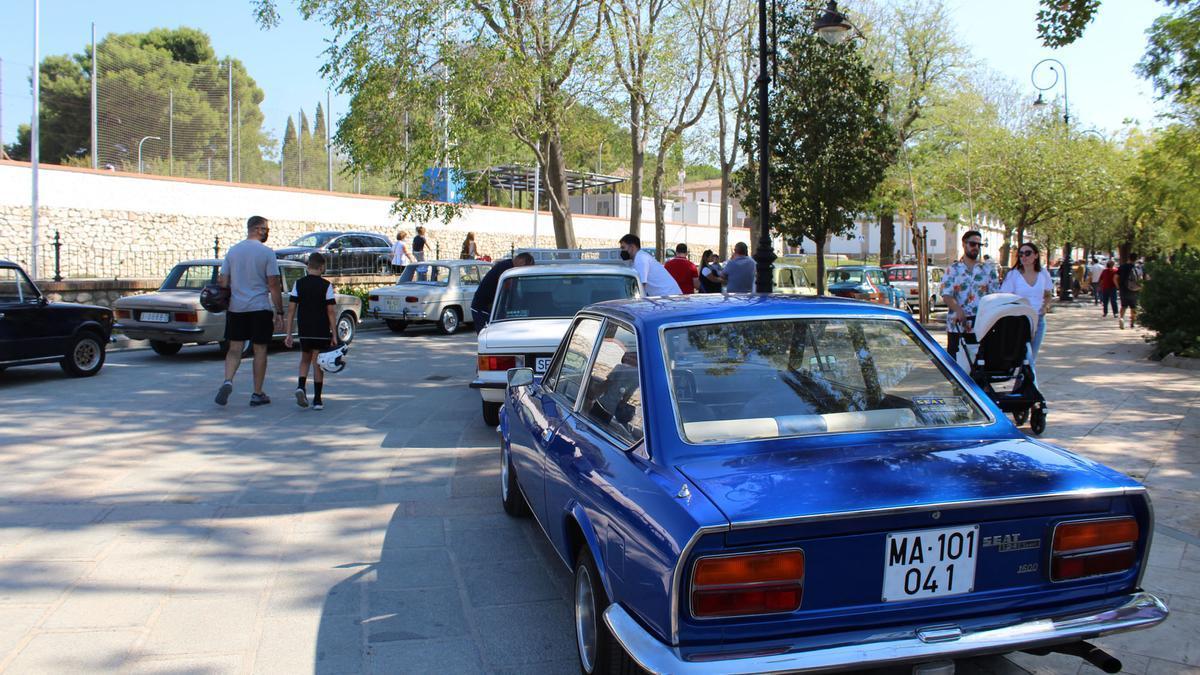 Concentración de coches clásicos en Antequera