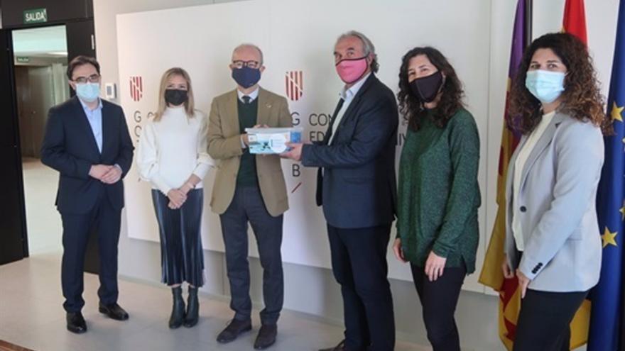 La Fundación Endesa entrega los equipos de robótica a 16 centros educativos de Baleares que participan en RetoTech