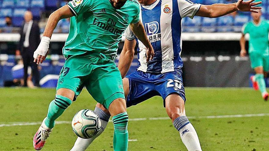 El Madrid, más líder tras ganar al colista