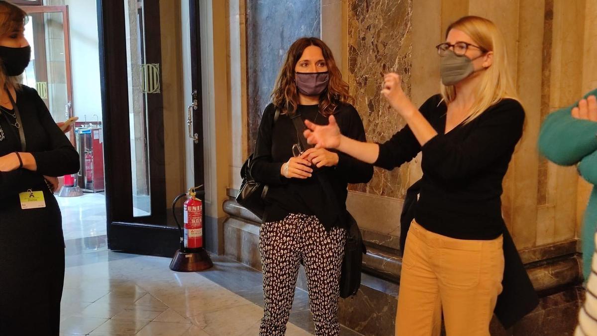 La diputada de ERC en el Parlament Laura Vilagrà y la vicepresidenta de Junts, Elsa Artadi