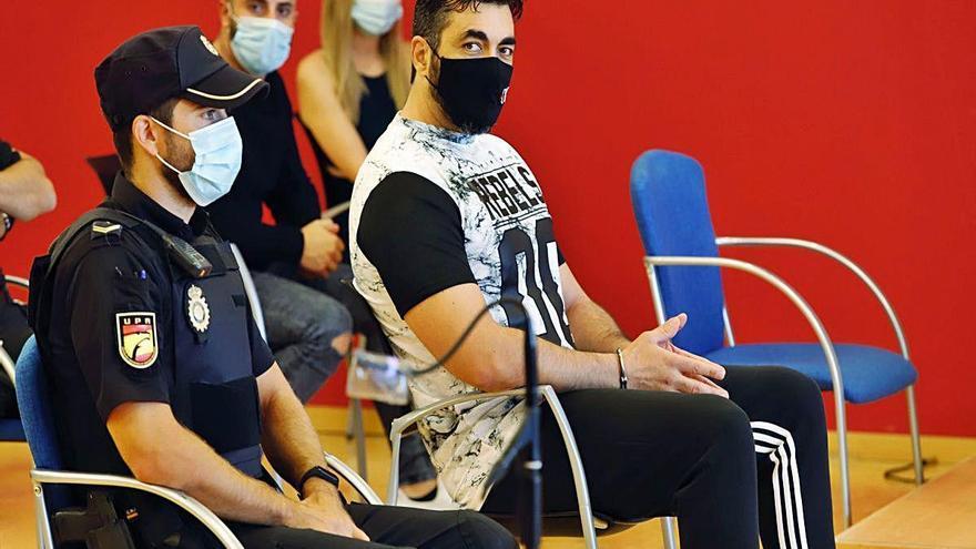 El macrojuicio contra 'El Karateca' tendrá que esperar