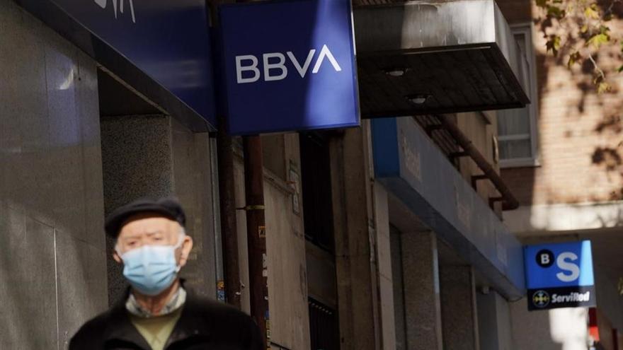 El BBVA plantea el cierre de 76 oficinas en Extremadura, Andalucía, Ceuta y Melilla
