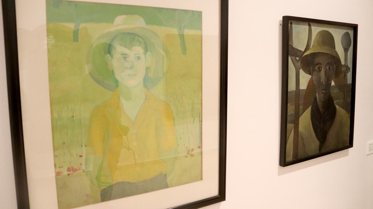 Pla obert de dos retrats de Josep Guinovart que s'exposen a la mostra sobre l'artista a l'Espai Thyssen de Sant Feliu de Guíxols