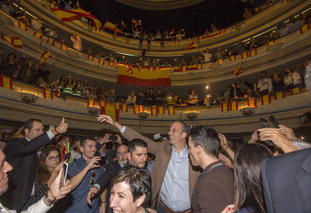 Mitin de Ortega Smith en el Teatro Principal de Alicante