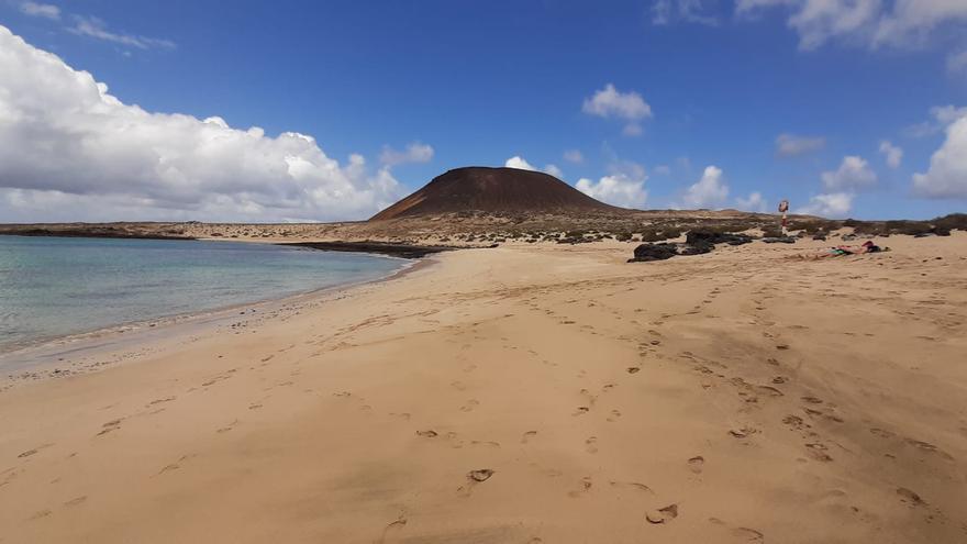 Lluvias débiles y vientos alisios este sábado en Canarias