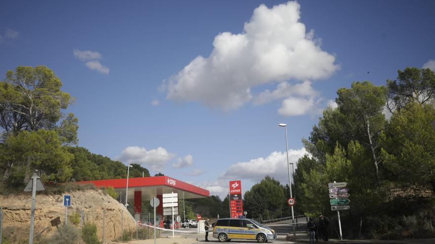 La Guardia Civil estudiará este viernes el entorno familiar de los fallecidos hallados en un coche