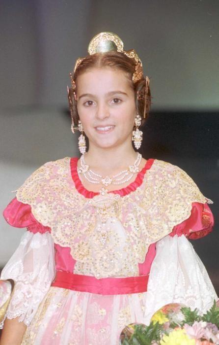 Corte 1999. La corte infantil dejó muchas caras que después regresarían. ¿A quien os suena esta niña?