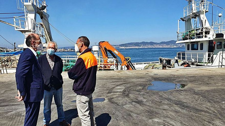 """El """"Nuevo Confurco"""" llega a Vigo con un marinero con síntomas de COVID"""