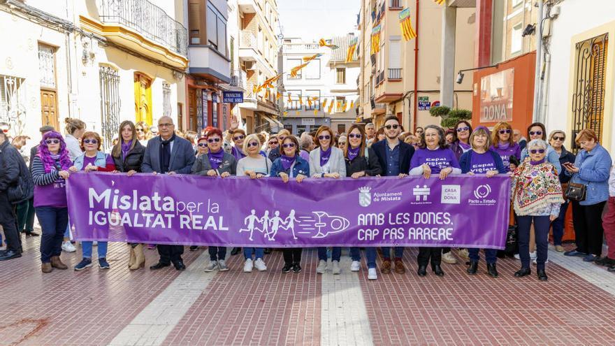 Mislata culmina sus Jornadas de la Mujer con una concentración reivindicativa