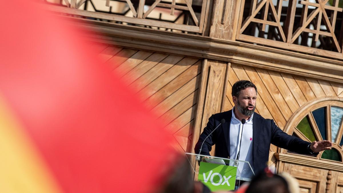 """Santiago Abascal asistió en Lanzarote a una concentración contra """"la invasión migratoria en Canarias"""""""