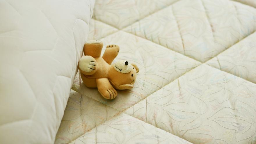 El incontestable truco para eliminar las manchas amarillas del colchón