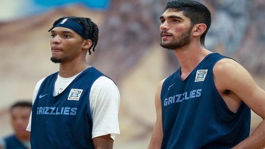 Santi Aldama firma con los Memphis Grizzlies y sigue la estela de los Gasol en la NBA