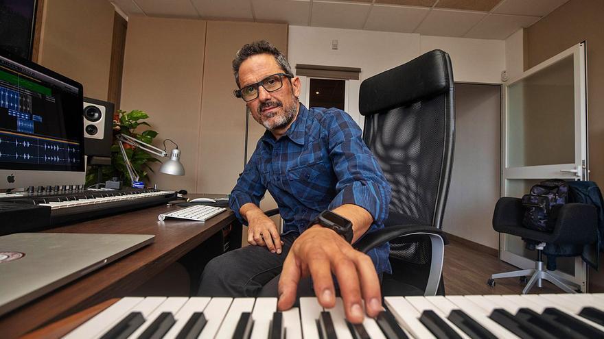 Jaime García estrena estudio y se engancha al documental