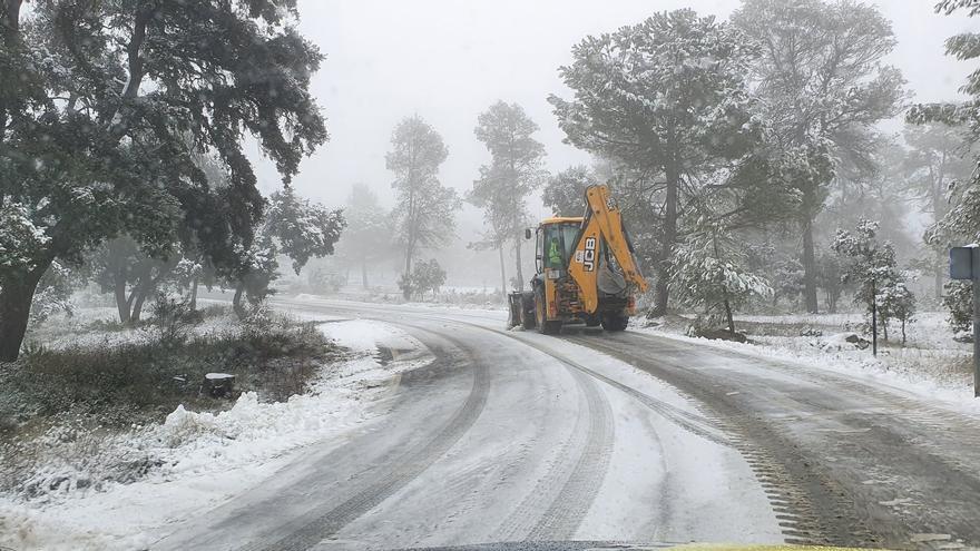 Carreteras cortadas por el temporal en la Comunitat
