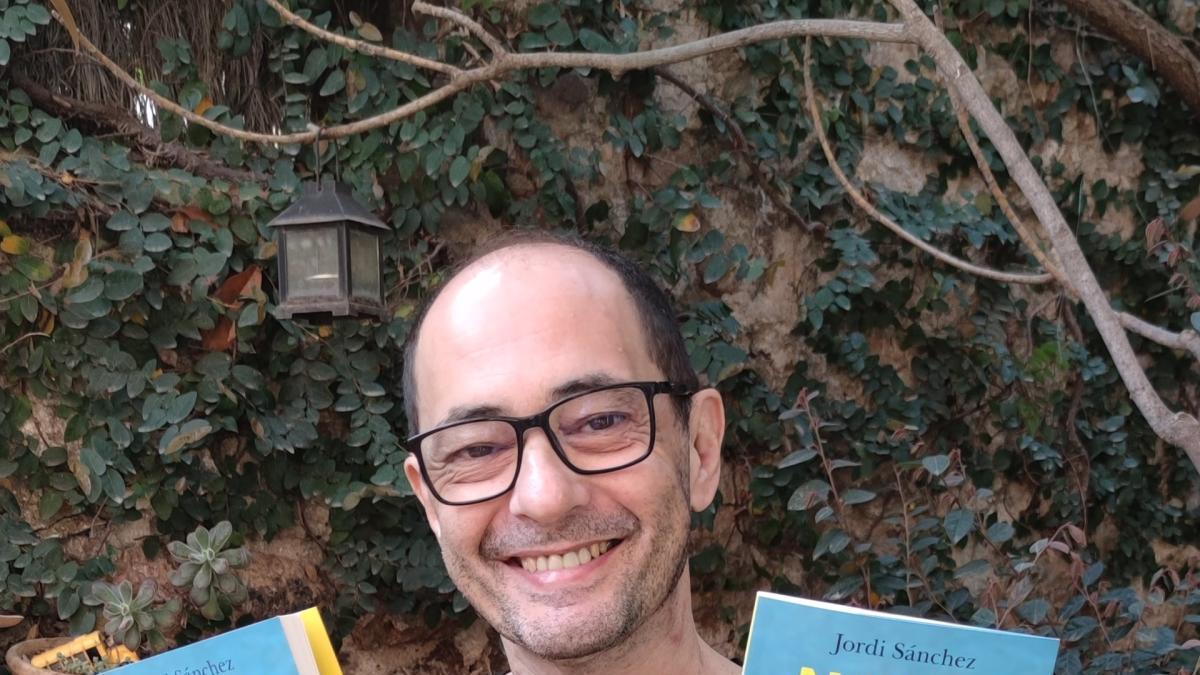"""El popular actor i dramaturg Jordi Sánchez publica el seu últim llibre, """"Ningú és normal"""". - PLANETA"""