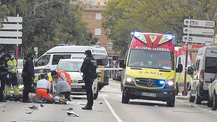 Fallece un motorista de 48 años al chocar en Dénia con un ciclomotor