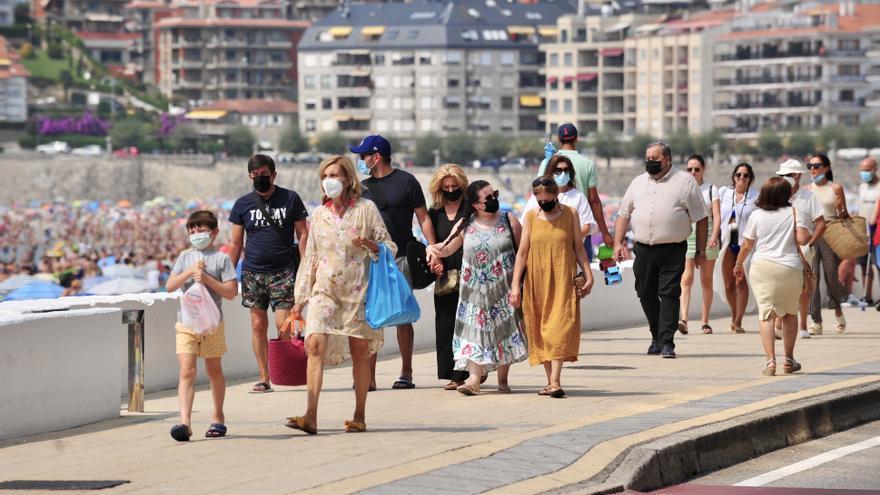 """Los apartamentos turísticos y los hoteles rozaron el """"lleno"""" en agosto en Sanxenxo"""