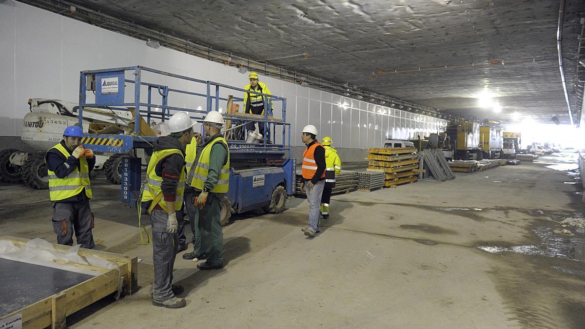 Obras en el túnel de la Marina.