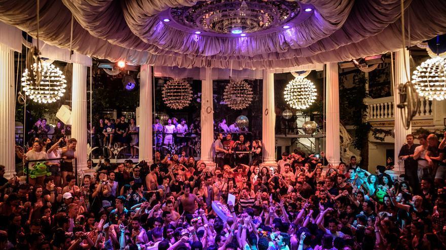 Ocio de Ibiza propone celebrar una prueba piloto entre el 15 y el 30 de junio para reabrir las discotecas