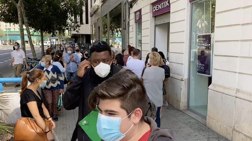 Quiebra de Dentix en Mallorca: Aluvión de protestas frente a la clínica de Palma