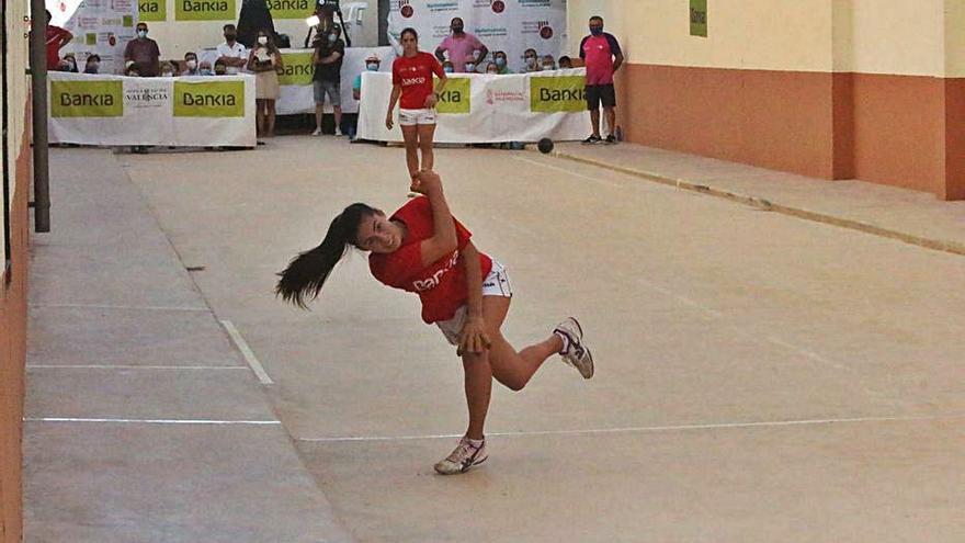 Bankia continua reforçant les competicions femenines