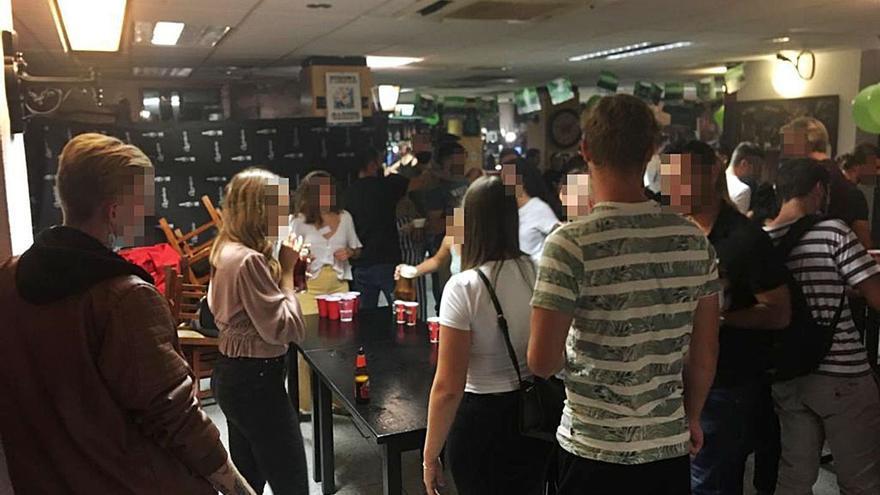 La Policía Local de València desaloja un pub con 135 personas dentro