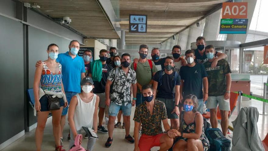 Cien valencianos, atrapados en Tenerife después de tres días sin vuelos