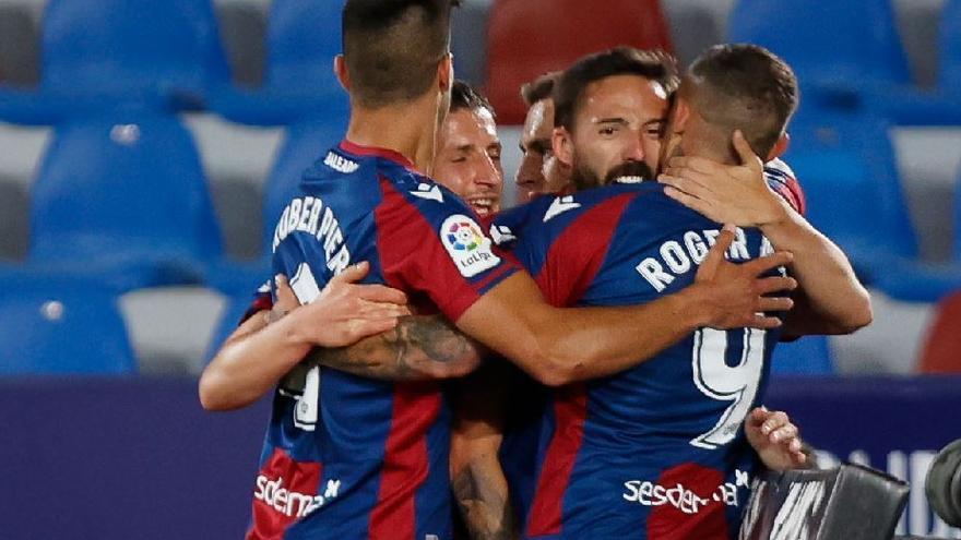 El Levante se lo pone difícil al Barça