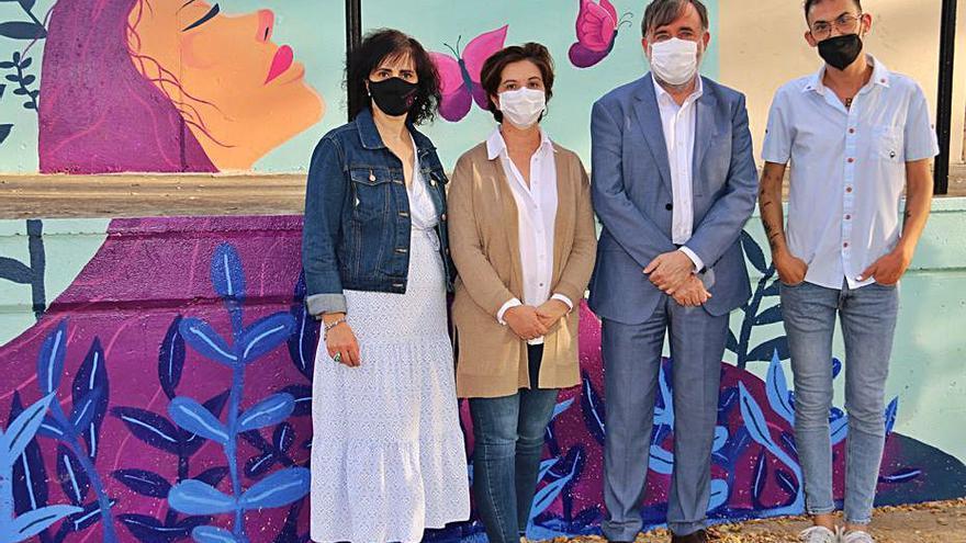 Un mural visibiliza la fibromialgia