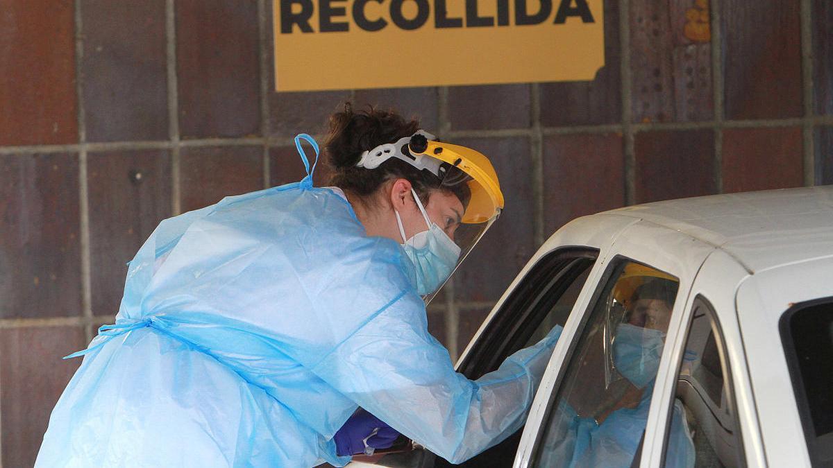 Recogida de muestras para la prueba PCR en Ourense. // Iñaki Osorio