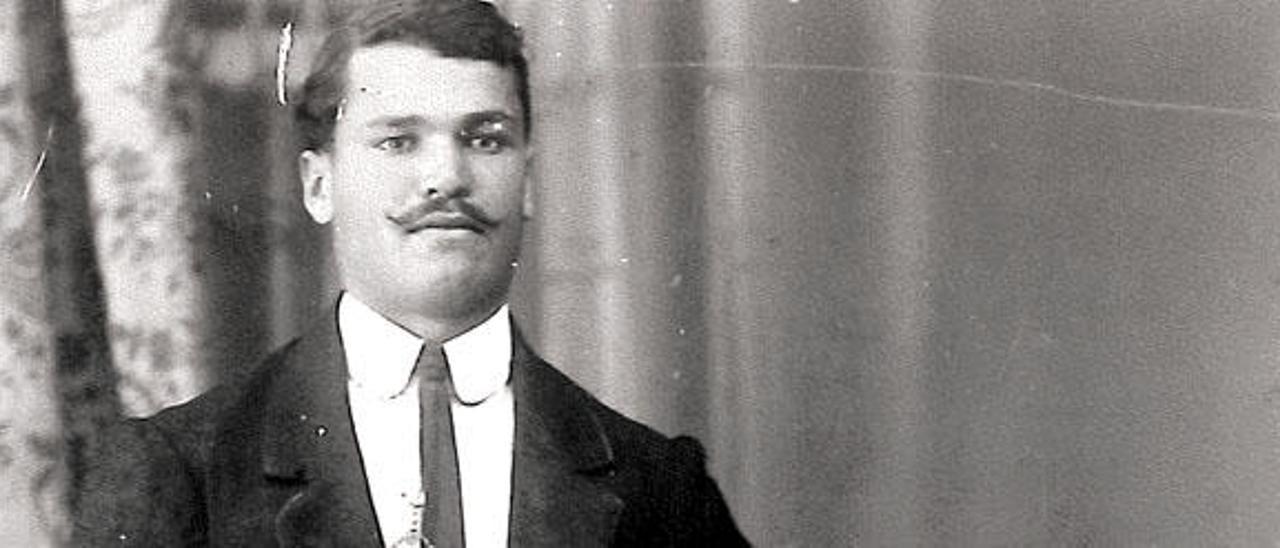 El arriero asesinado, Damián Martín, con 24 años.