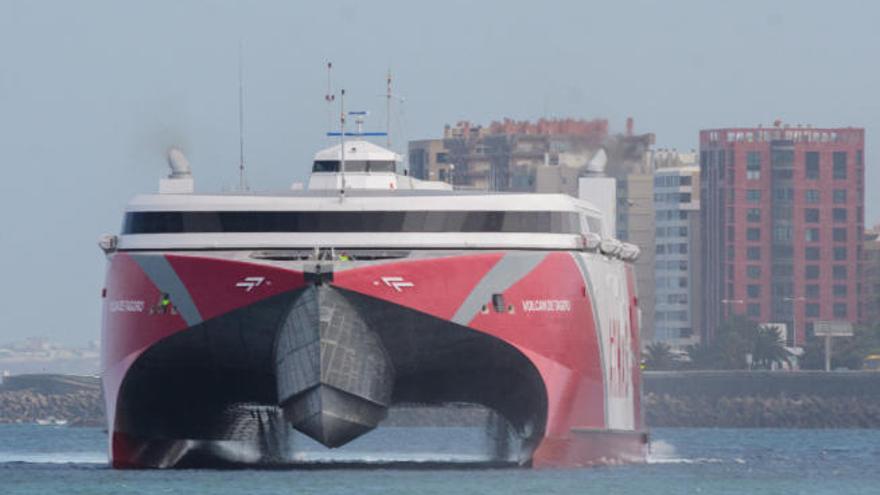 El Puerto de La Luz triplica en quince años el número de pasajeros
