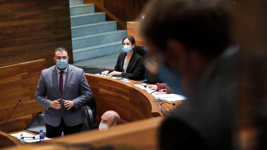 Barbón plantea un presupuesto que no toque los impuestos y apure al máximo el endeudamiento