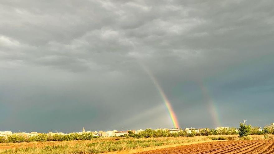 Un bello doble arcoíris en La Pobla de Vallbona