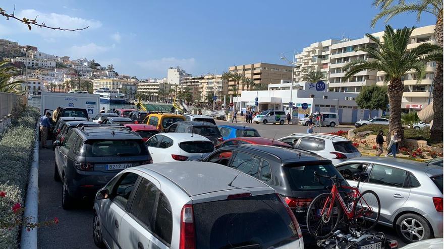 Formentera cree que el tráfico en la isla sigue siendo 'excesivo' y hay saturación en horas punta