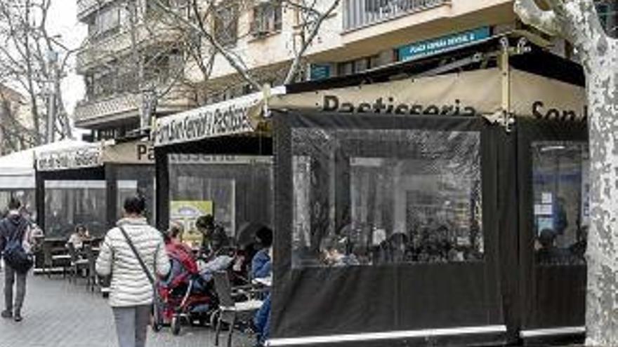 Balearen-Regierung will Rauchverbot auf Terrassen verschärfen