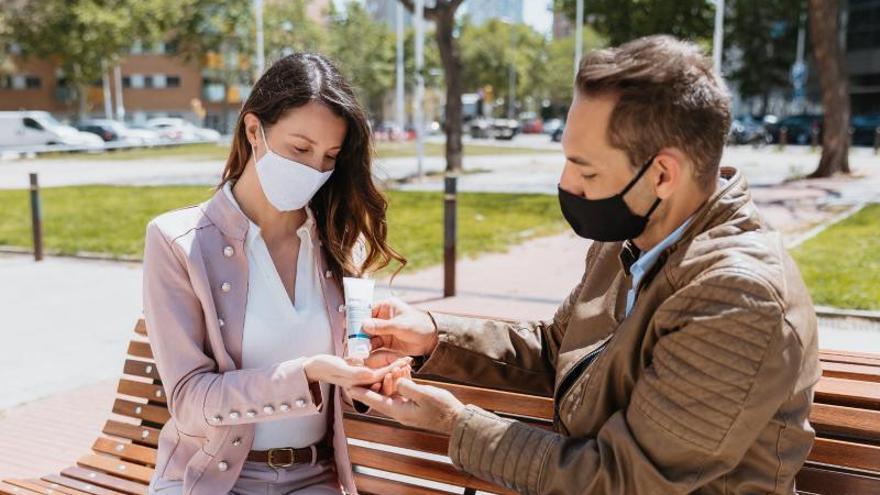 """Científicos españoles desarrollan cuatro productos que aportan """"protección inmediata de más de siete días"""" frente al coronavirus y otros microorganismos"""
