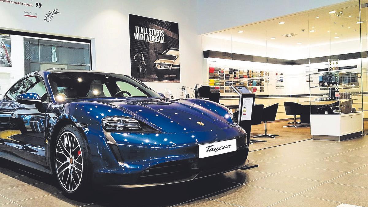 El nuevo Porsche Taycan, 100% eléctrico, en el Centro Porsche A Coruña.