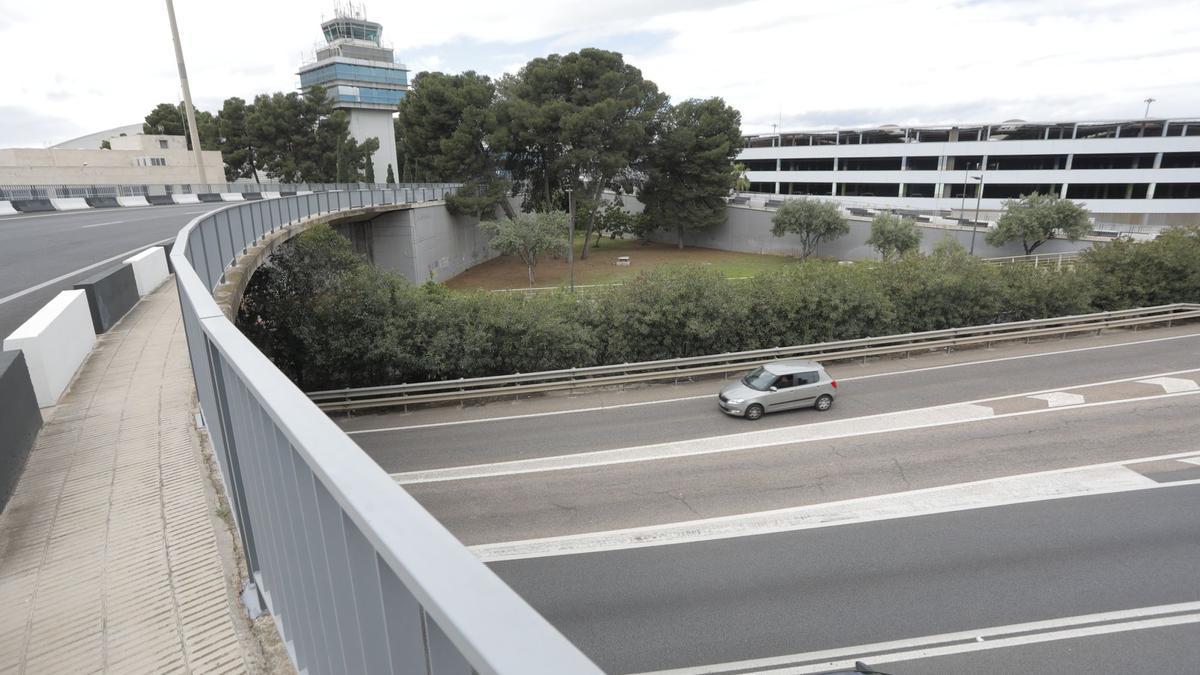 Vista de la carretera desde el aeropuerto.