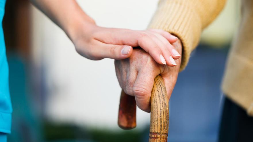 Piden cárcel para una pareja que estafó 100.000 euros a un anciano en València
