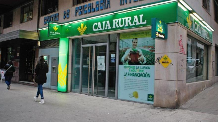 Caja Rural vuelve a adelantar el pago del paro en junio