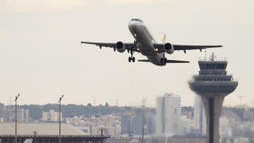 Atenen 16 persones després de les turbulències en un avió aterrat a Barajas